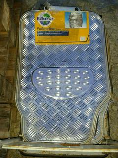 Fußmatten Set 2-tlg. im Riffelblech Design Chrom B-Ware